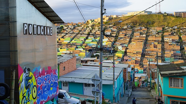 Cine comunitario en las lomas de Bogotá